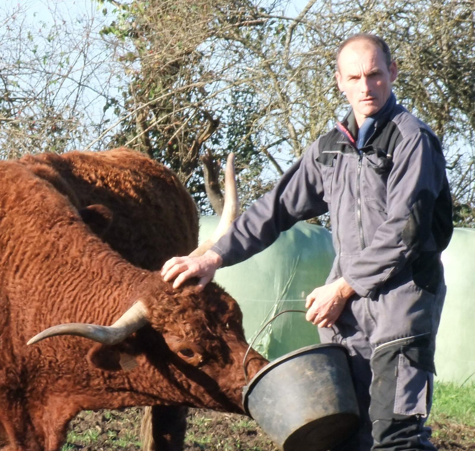 Vincent Haslé - agriculteur chailland - Mayenne - 53 agriculture- vente à la ferme - Catherine Haslé - Bernard pouteau